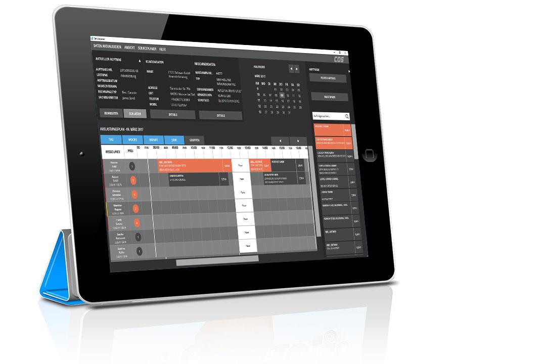 Tablet mit Screenshot des interaktiven Werkstattplaners in der Warenwirtschaft AMS Arista